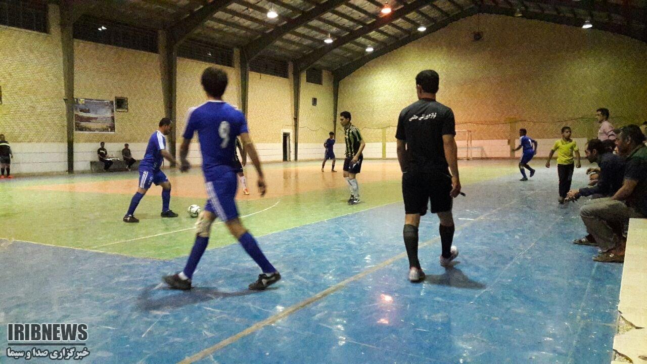 ادامه مسابقات فوتسال جام رمضان در شهرستان مهاباد