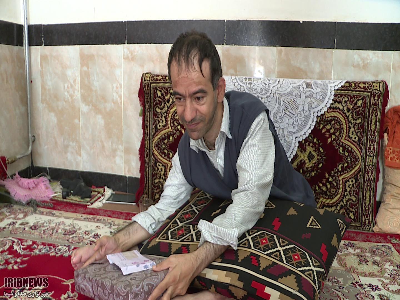 دیدار با دو خانواده شهید و معلول در مهاباد